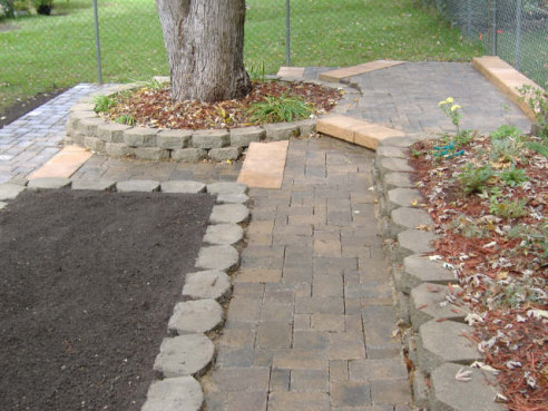 Incorporate tree rings into the rest of your landscapting