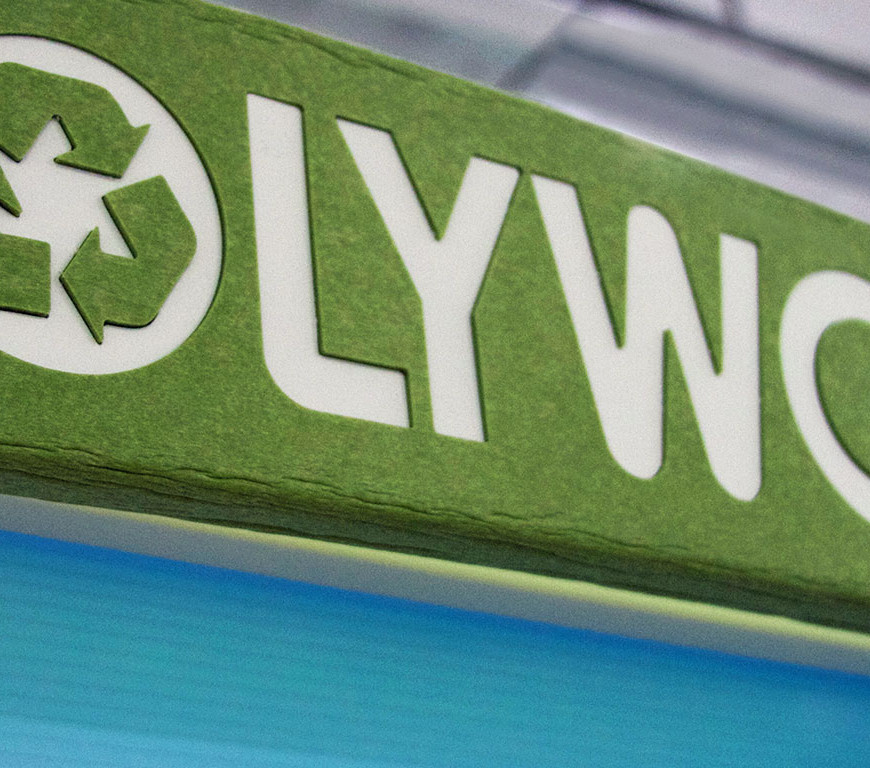 Poly-Wood-Recycled-Furniture-Kiosk